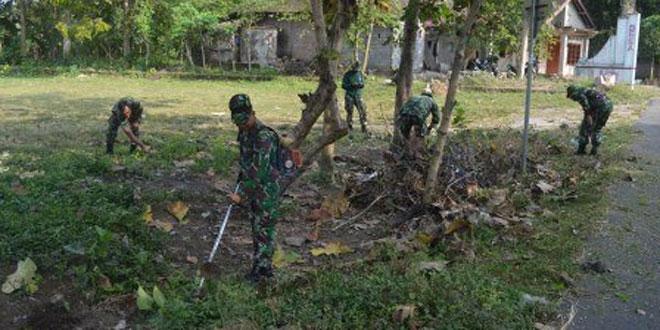 Karya Bhakti di Lapangan Randu Lanang