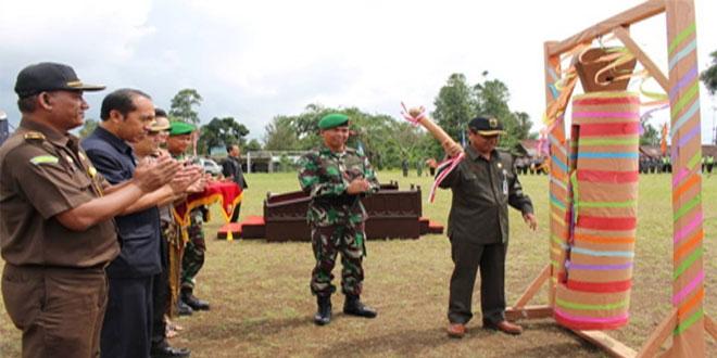 KETUA DPRD KAB. PEMALANG BUKA TNI MANUNGGAL MEMBANGUN DESA SENGKUYUNG TAHAP II TA. 2016