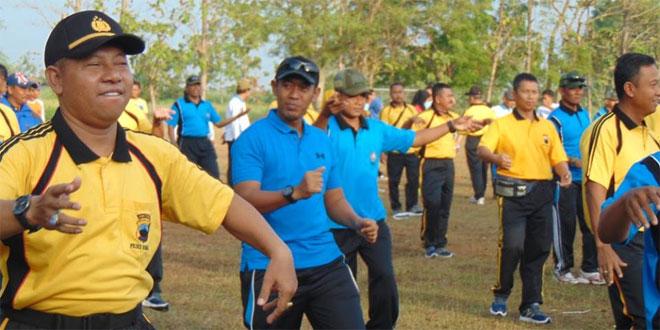 Jalin Sinergitas dengan TNI Polres Rembang Gelar Olahraga Bersama dan Tanam Pohon