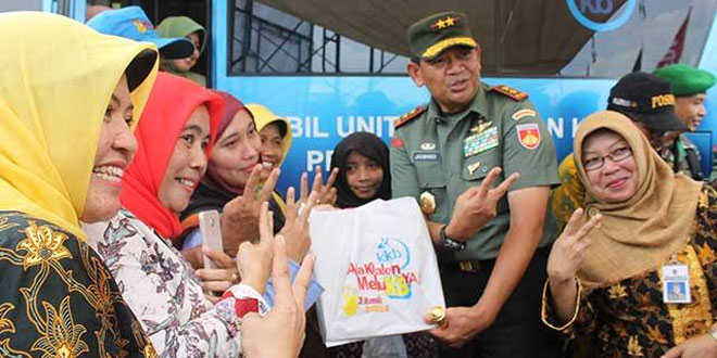 Pangdam IV Diponegoro Tinjau Pelayanan KB Kes di Arena TMMD Cilacap