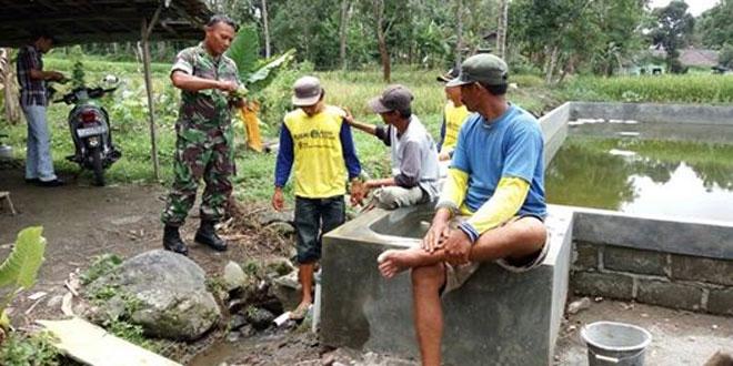Keakraban Danramil 01/Cangkringan Dengan Warga Wilayah Binaannya