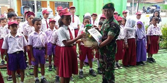 Koramil 12/Sawangan Mendapat Ucapan HUT TNI Ke 71 Dari SD Butuh 02 Sawangan