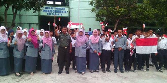 Dalam Rangka HUT TNI Danramil 03/Turi Berikan Wasbang pada Siswa SMP Islam Cendekia