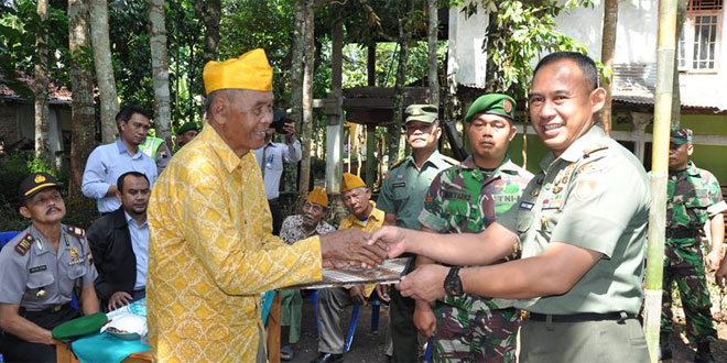 Bedah RTLH Veteran Pejuang RI Dalam Rangka HUT TNI Ke 71