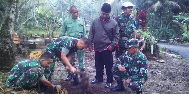 Komandan Kodim 0714/Salatiga Melaksanakan Penghijauan Penanaman Pohon di Kecamatan Susukan