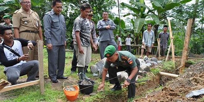 Kodim 0704/Banjarnegara Melaksanakan Peletakan Batu Pertama Pembangunan Pos Koramil
