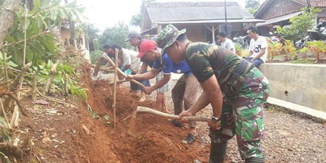 Dandim Banyumas Tinjau Lokasi Karya Bhakti TNI di Kemranjen