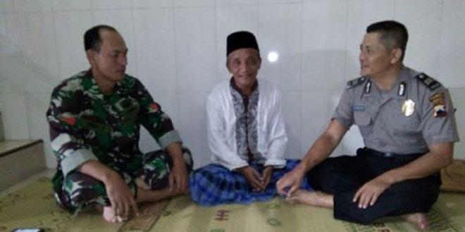 Silaturahmi dengan Ketua Ponpes Al-Ihsan oleh Babinsa Koramil-04/Jebres