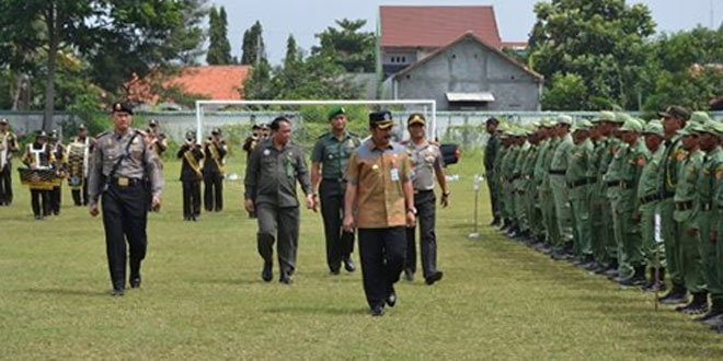 Apel Penyerahan Personil Anggota Linmas Desa/Kelurahan Se-Kabupaten Brebes Dalam Rangka Pilkada Kabupaten Brebes TA 2017