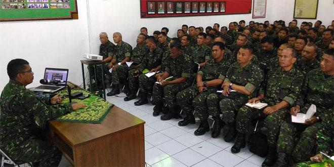 Jam Komandan Sebagai Sarana Pemberian Informasi Terkini kepada Anggota