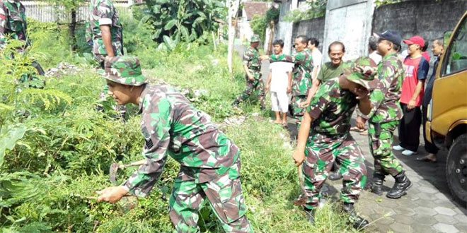 Anggota Koramil 05/Pakualaman Melaksanakan Karya Bhakti