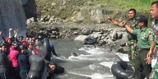 Koramil 12/Sawangan Pantau Arung Jeram di Sungai Pabelan