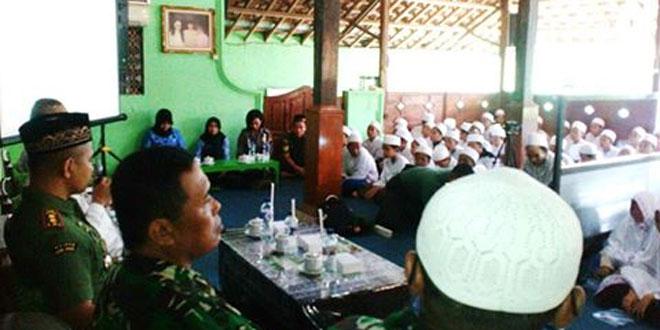 Dandim 0728/Wonogiri Sosialisasikan Wasbang dan Nasionalisme di Ponpes