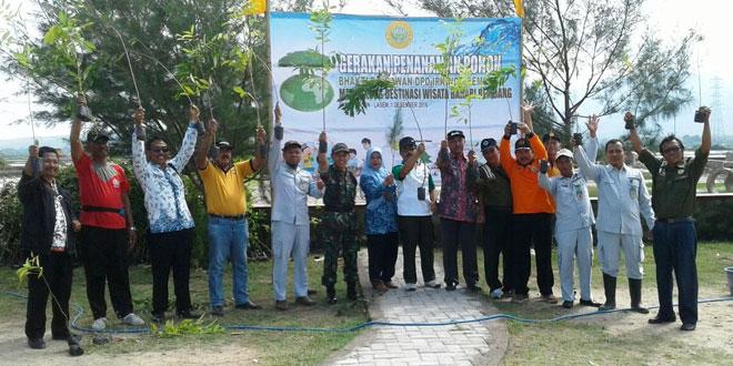 Dukung Destinasi Wisata Bahari, Koramil 06/Lasem Lakukan Penanaman Pohon