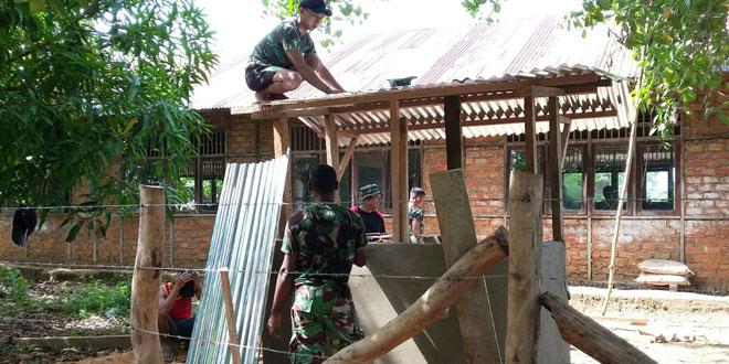 Pamtas RI-PNG Bangun Jamban dan Rehap Tempat Ibadah