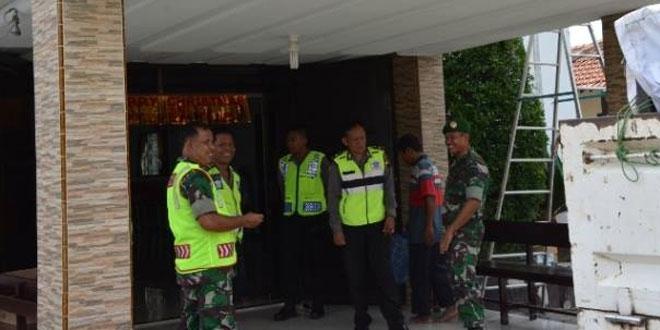 Dandim 0713/Brebes Melaksanakan Pengamanan Langsung Gereja di Wilayah Brebes Kota Pada Perayaan Natal 2016