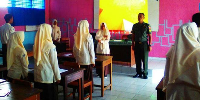 Babinsa Latih Kedisiplinan Siswa SMK Muhammadiyah Bandongan