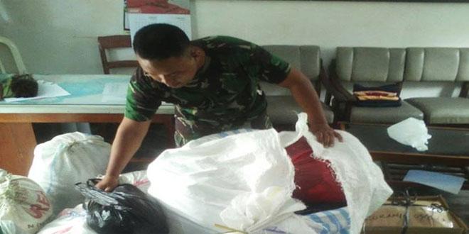 Kodim Kirimkan Bantuan Baju ke Papua