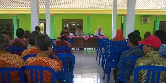 Babinsa Sambi Wakili Danramil 08/Sambirejo Rapat Musrenbangdes