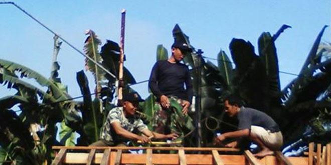 Babinsa Koramil 14/Cimanggu Motori Semangat Gotong-Royong