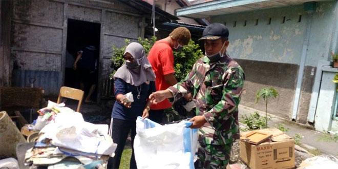 Babinsa Melaksanakan Pembinaan dan Pengembangan Karang Taruna di Kelurahan Kratonan