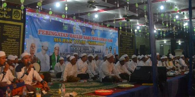 Dandim 0712/Tegal Melaksanakan Komsos dengan Hadiri Peringatan Maulid Nabi Muhammad SAW