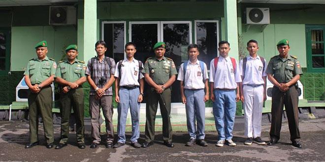Dandim 0731/Kulon Progo Berangkatkan Perwakilan Wartawan & Pelajar ke Mabes TNI