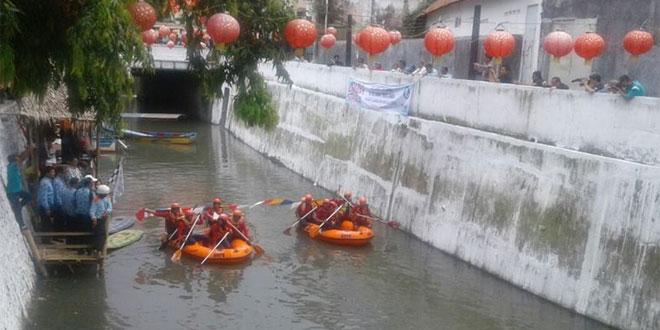 Lomba Perahu Dayung
