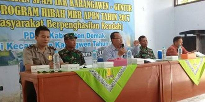 Anggota Koramil Guntur dan Karangawen Hadiri Sosialisasi Pemanfaatan SPAM IKK/Sosialisasi Air Bersih dan Program Hibah MBR APBN Tahun 2017