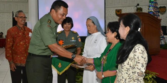 Perayaan Natal Menginspirasi Prajurit dan PNS Lebih Profesional