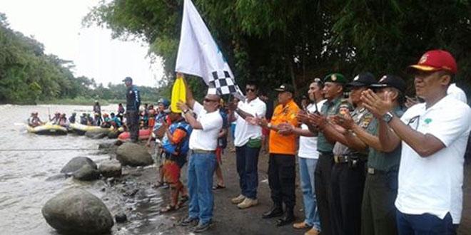 Danramil 14/Minggir Dukung Kegiatan Kejurnas Arung Jeram Faji (R6) 2017 di Sungai Progo