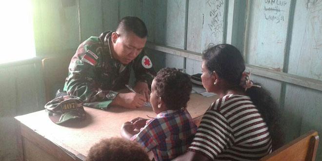 Enam Kali Satgas Adakan Pengobatan Massal dan Donor Darah di Wilayah Perbatasan RI-PNG