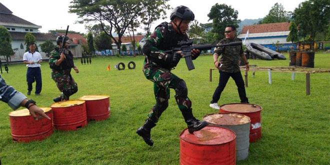 LATIHAN MENEMBAK JALIN SINERGITAS TNI-POLRI DI WILAYAH