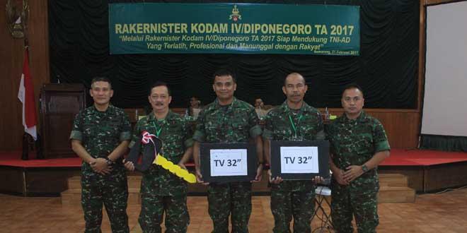 Keberhasilan Operasi Katarak Diapresiasi Pimpinan Kodam IV/Diponegoro