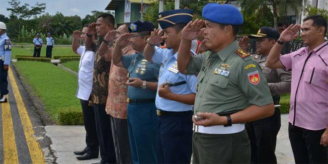 KASDAM IV/DIPONEGORO BESERTA JAJARANNYA MENGHANTAR PANGLIMA TNI MENUJU JAKARTA