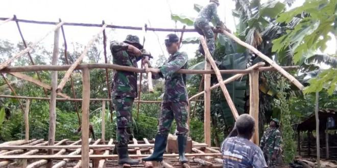 Anggota Pos Yakyu Turut Membangun Rumah Seorang Warga