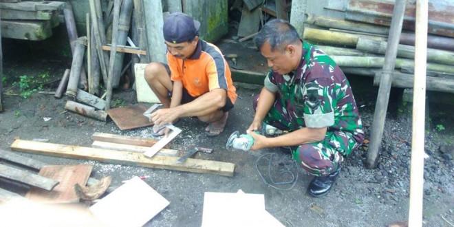 Babinsa Lumbungrejo Silahturohmi Dengan Tukang Kayu Bibis