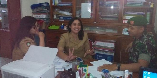 Babinsa Komsos Bersama Guru SMPN 22 Surakarta