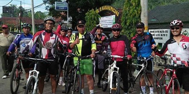 Dandim 0703/Cilacap Ajak Masyarakat Dengan Pola Hidup Sehat Melalui Bersepeda