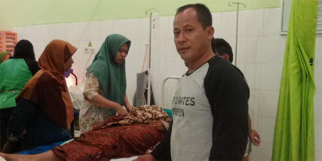 Babinsa Koramil 11/Sidareja Siap Menjadi Ambulan Siaga