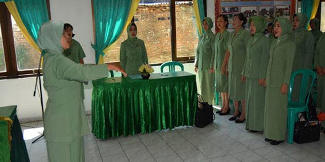 Ketua Persit Kartika Chndra Kirana Cabang XXXV Kodim 0714/Salatiga Mengajak Ibu Ibu Agar Senantiasa Aktif Dalam Kegiatan Persit ini
