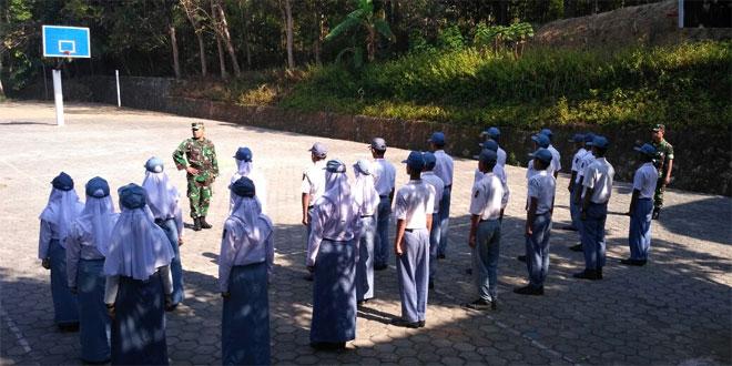 Babinsa 11/Manyaran Beri Pelatihan PBB