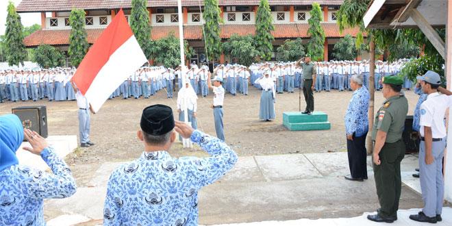 TNI Bentuk Karakter Pelajar SMK N 1 Brebes