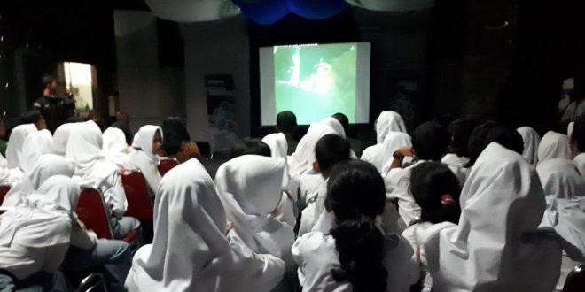 Ratusan Siswa SMK Nobar Film G30S/PKI di Pendam IV