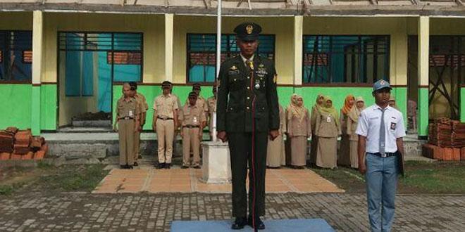 Serma Mustadi Pimpin Upacara Hari Kesaktian Pancasila di SMA Negeri 1 Bantarsari