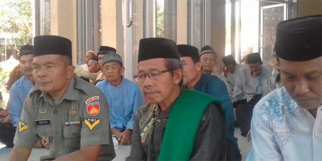 Danramil 06/Gondang Hadiri Pengajian Ahad Legi di Masjid Nurul Falah