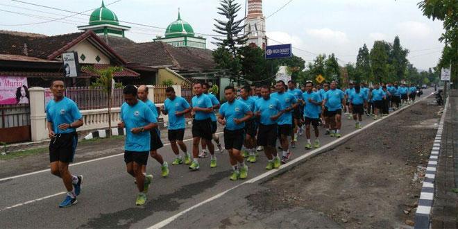 Lari Jalan Sebagai Sarana Jaga Kesehatan Anggota Kodim 0728/Wonogiri