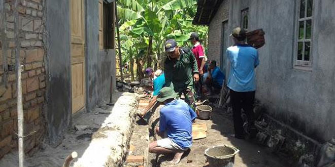 Koramil 17/Karangdowo Membantu Program RTLH di Desa Sentono Karangdowo Klaten