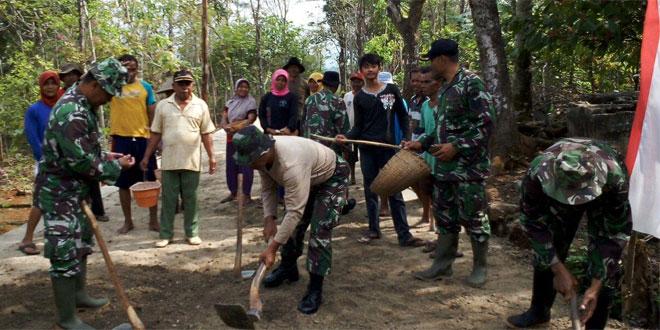 Dandim Tinjau TMMD Sengkuyung Tahap III di Desa Pandean Jatisrono