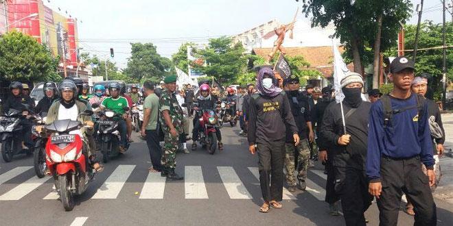 Babinsa Ramil 03/Serengan Pantau Giat Long March Elemen Umat Islam Solo